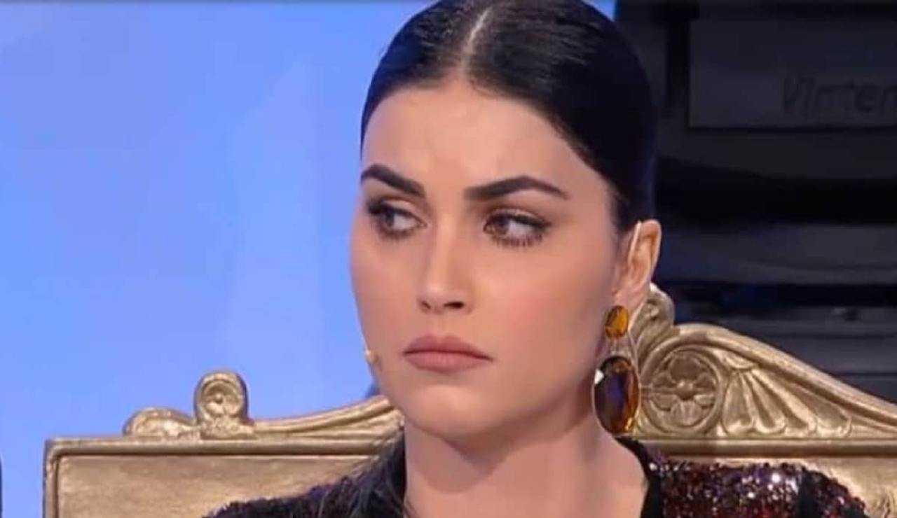 Teresa Langella confessa di essere stata molestata da un medico chirurgo