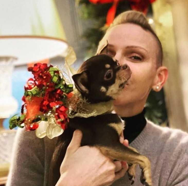 Charlene di Monaco è disperata è morto il suo cagnolino