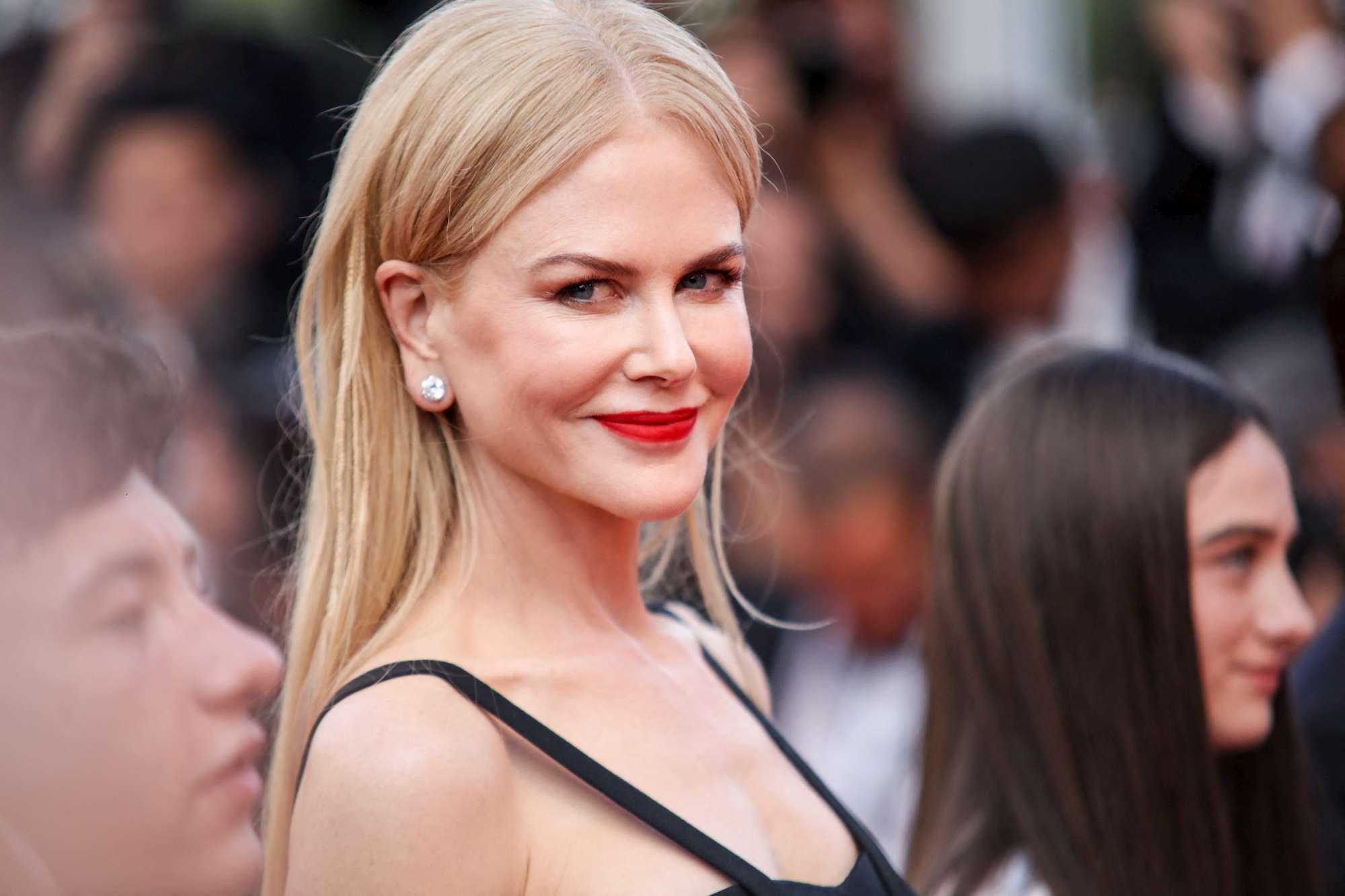 Cannes, buona la seconda per Nicole Kidman: incanta sul red carpet di