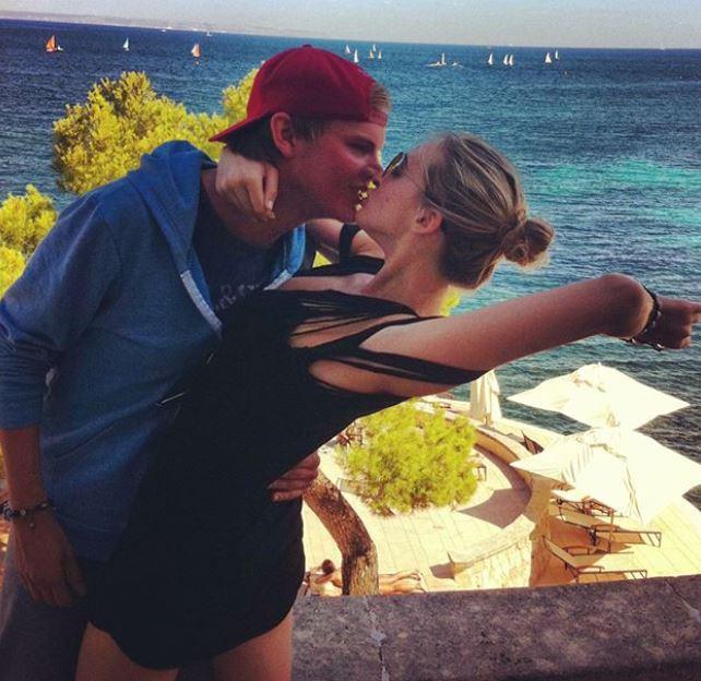 Avicii, l'ex fidanzata Emily Goldberg posta foto sui social e viene criticata