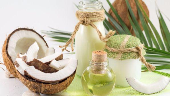 Pelle: idratazione al top con l'olio di cocco