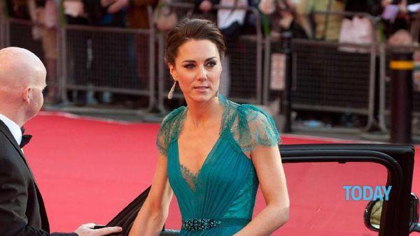 Kate Middleton in topless nelle foto proibite: chiesti 1,5 milioni di euro alla rivista Closer