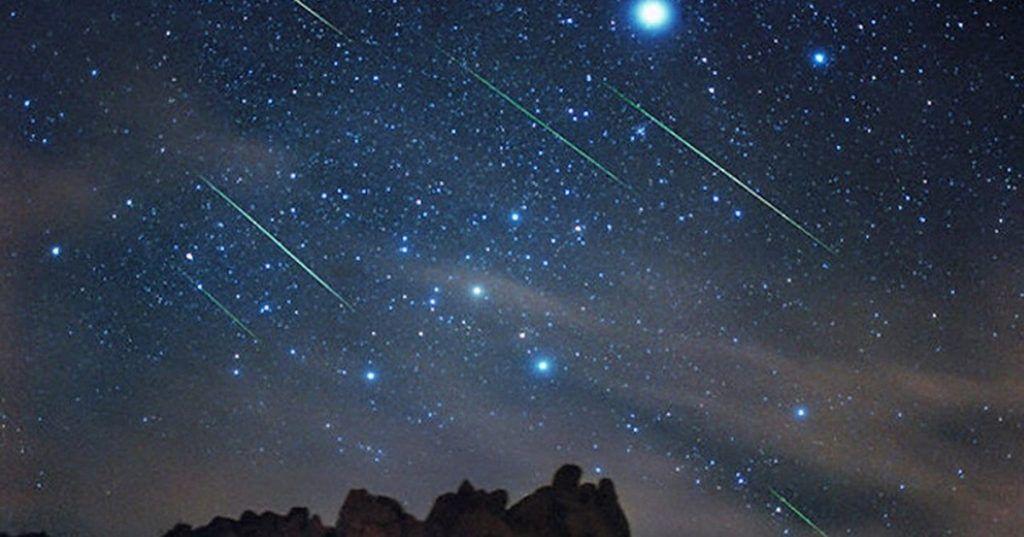 """...E domani sera tutti con il naso all'insù: arrivano le """"Orionidi"""" il più grande spettacolo di stelle cadenti dell'anno."""