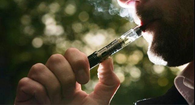 """La stampa continua ad insinuare che la sigaretta elettronica fa male? La risposta la diede 4 anni fa il grande Umberto Veronesi: """"Le lobby del fumo comprano i giornalisti""""...!!"""
