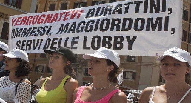 """Giusto per non farvelo dimenticare - Umberto Veronesi sulle sigarette elettroniche: """"Le lobby del fumo comprano i giornalisti""""...!"""