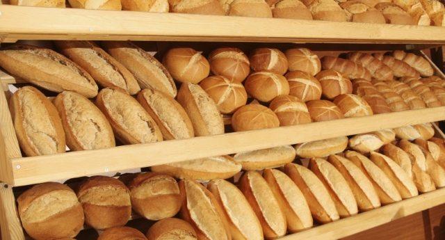 Finalmente in arrivo in Italia la legge contro il finto pane fresco. Insomma, sapremo cosa ci fanno mangiare... forse.