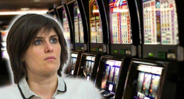 Un'altra vittoria della Appendino contro Lobby e amici delle  Lobby in Parlamento: Stop alle slot machine, il Tar le dà ragione: «Piaga sociale, la contrasteremo»
