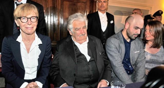Quando josé Mujica spiegò la felicità a Gabanelli e Saviano...