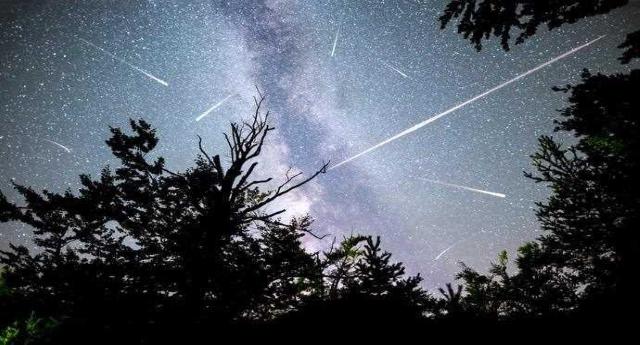 Pasqua sotto le stelle cadenti: dal cielo lo spettacolo delle Liridi