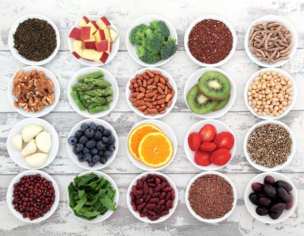 Dieta antiossidante per combattere i radicali liberi.