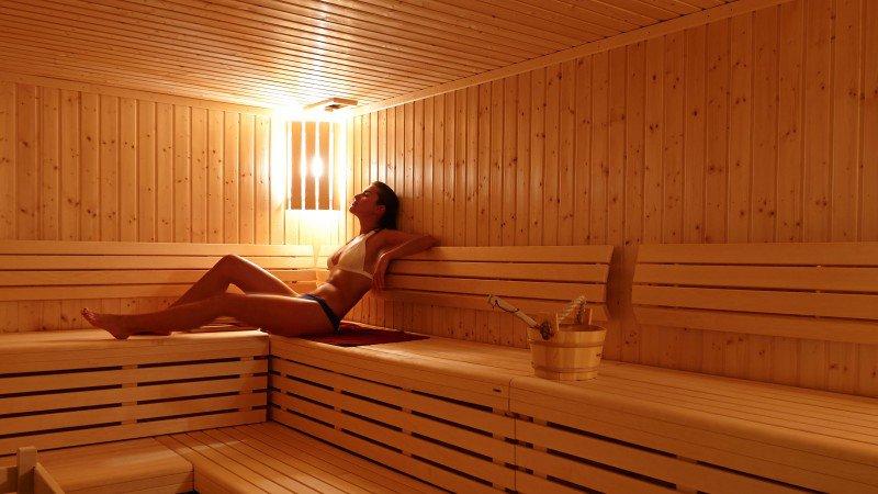 La sauna allena il cuore.