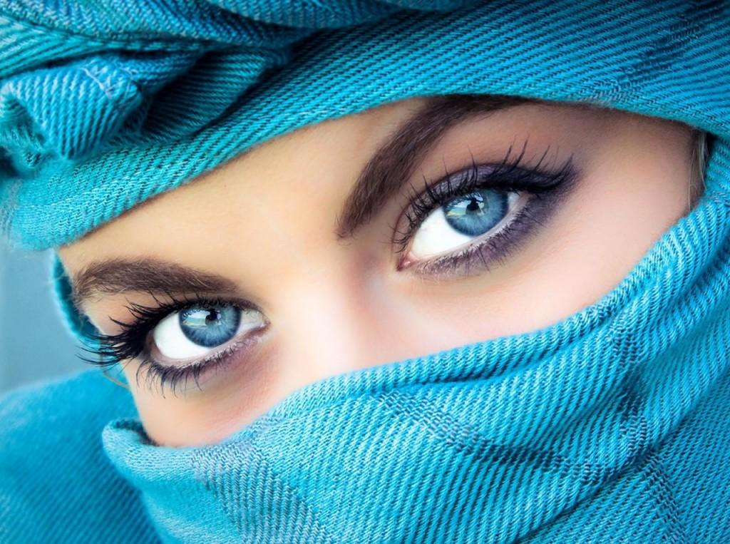 La teoria degli occhi azzurri.