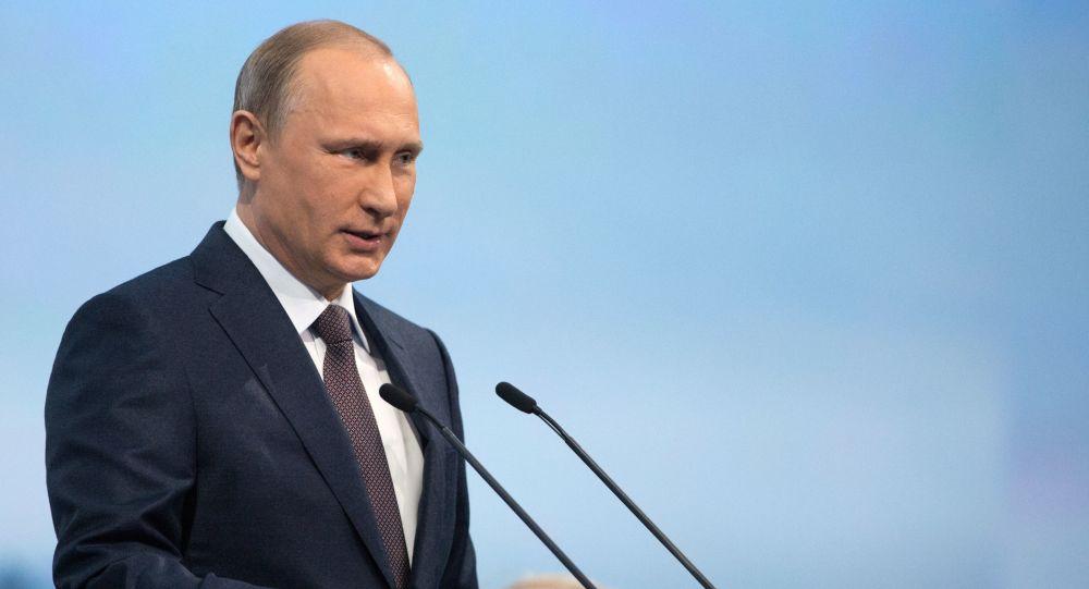 La Russia sta ripristinando il ritmo della crescita economica. Lo ha dichiarato oggi il presidente russo Vladimir Putin nel corso del vertice BRICS.