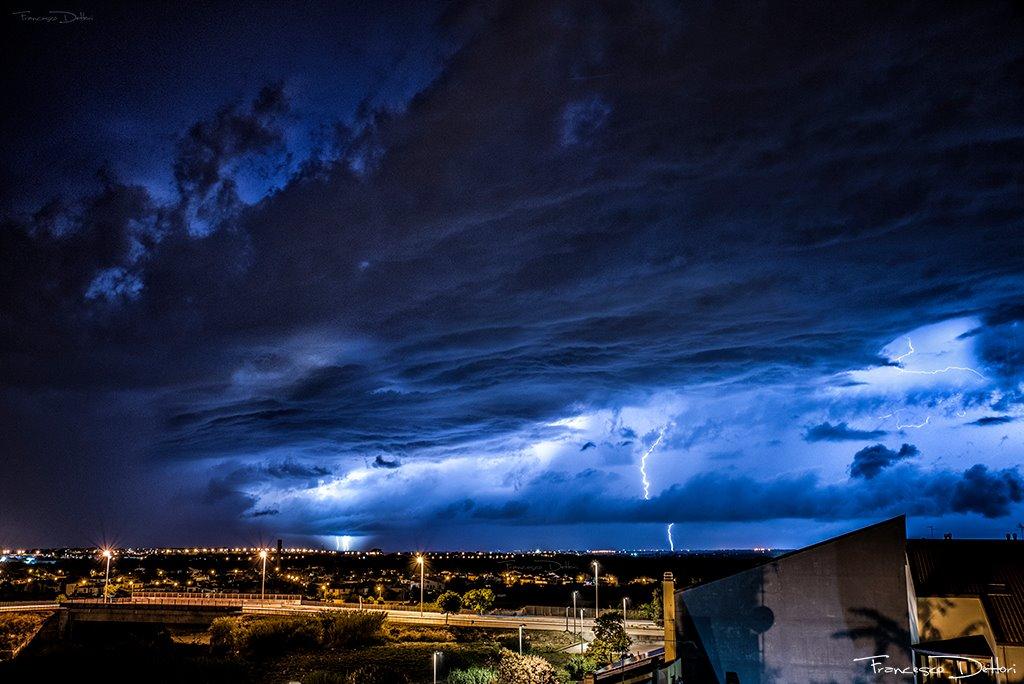 Alcuni scatti dei temporali sopra la città