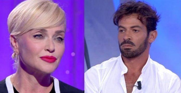Paola Barale rompe il silenzio e svela il motivo del divorzio da Gianni Sperti: 'E' ora della verità…'