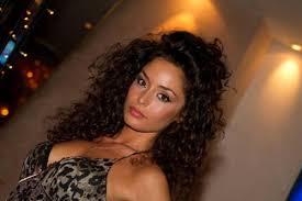 Raffaella Fico, confessione hot dopo la rottura con Moggi: «Cerco un uomo che mi faccia sentire donna, anche a letto»