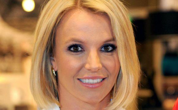 Britney Spears sconvolta dopo il ricovero, ecco come sta