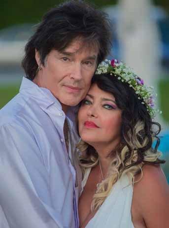 Ronn Moss, il divo di Beautiful si è risposato: il matrimonio (a sorpresa) con Devin Devasquez è tutto italiano