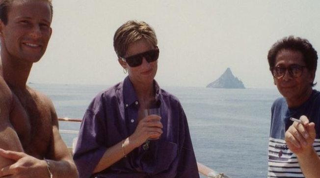 Diana, principessa triste: ecco alcun scatti inediti della vacanza senza Carlo nel 1990