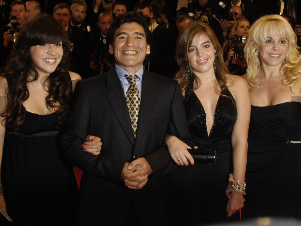 Diego Maradona, mistero sul testamento: a chi spetta l'eredità?