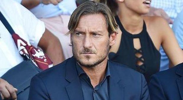 Totti lascia la Roma: il Capitano dà le dimissioni, lunedì dirà perché