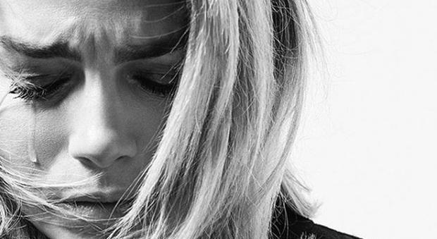 Emma Marrone e la dedica commovente ai fan: «Non vi rendete conto ... mi fate piangere»