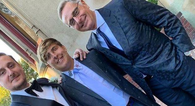 """Paolo Bonolis, il figlio Stefano si sposa con la procace Candice Hansen. Le foto e la """"radiocronaca� di Sonia Bruganelli"""