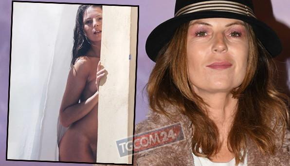 Marina La Rosa completamente nuda