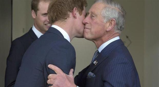 Il Principe Harry costretto a chiedere aiuto a Carlo: il gesto
