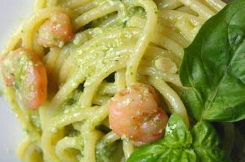 Vermicelli con Pesto e Gamberetti