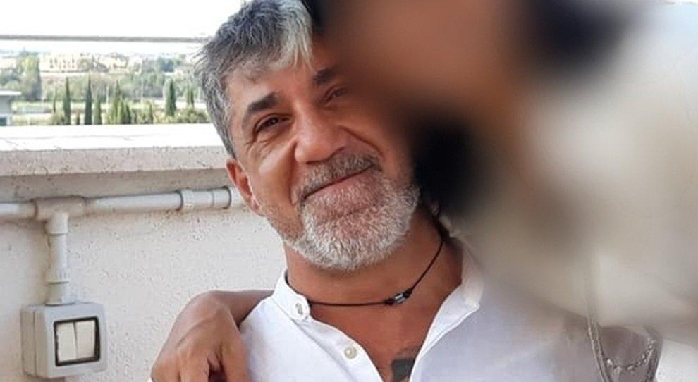 Finanziere morto in casa con la compagna: «L'ha uccisa e si è sparato». Trovata una lettera d'addio