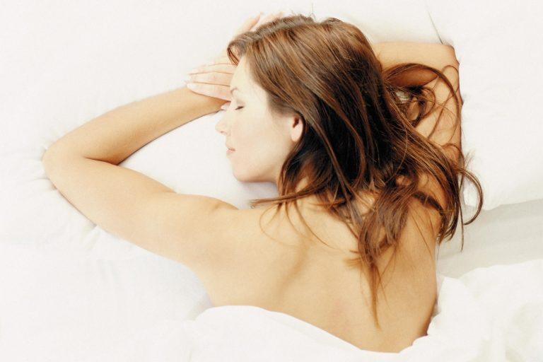 Sonno e benessere, il trucco per addormentarsi in due minuti. Successo garantito al 96%