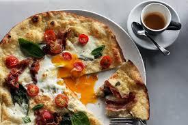 Pizza a colazione? È meglio dei cereali, secondo alcuni nutrizionisti