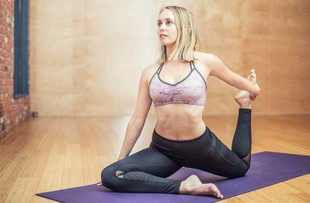Come tonificare le cosce: gli esercizi per rassodare gambe e interno coscia