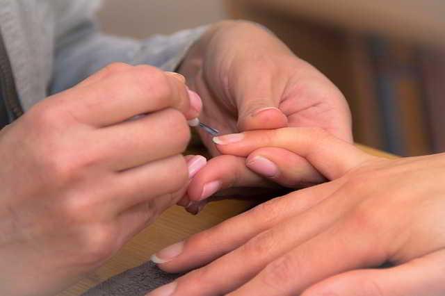 Scopri i segreti per unghie belle e alla moda