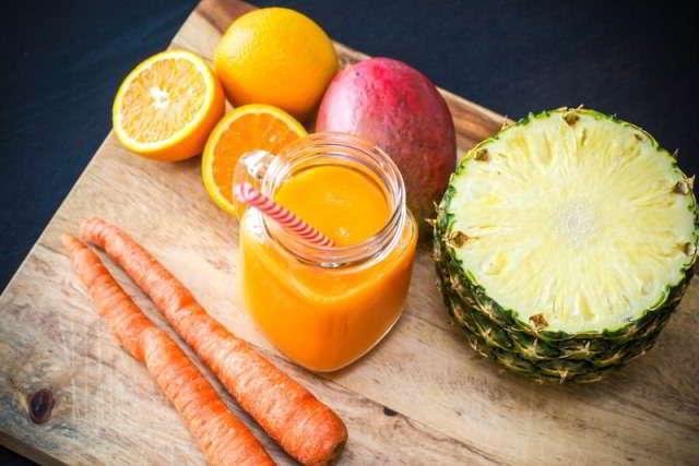 Succo di carota e ananas: un'accoppiata esplosiva