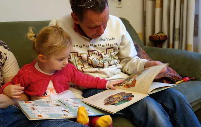 Leggere ad alta voce aiuta lo sviluppo dei bambini