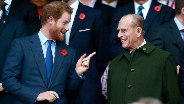 Il principe Harry «si sente in colpa» per non aver salutato di persona il principe Filippo