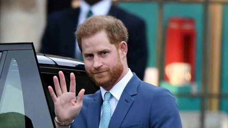 Harry a Londra per i funerali del nonno, Meghan non c'è
