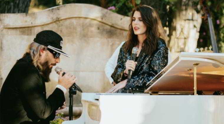 Charlotte Casiraghi debutta come cantante (sulle orme di zia Stéphanie)