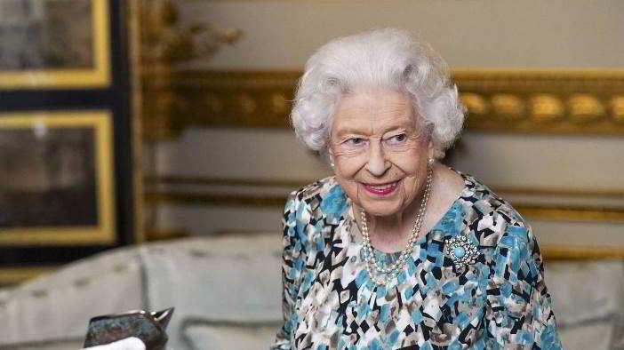 La regina Elisabetta e la notte in ospedale (in via precauzionale)