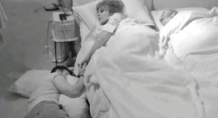 Gf Vip, Nicola Pisu dorme sul pavimento per farsi perdonare da Miriana