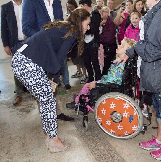 Kate Middleton: pantaloni da 25 € per un lato B che fa impallidire quello della sorella Pippa